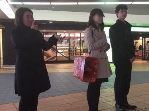 【千葉日報】大学生、駅頭演説など体験 流山で報告会